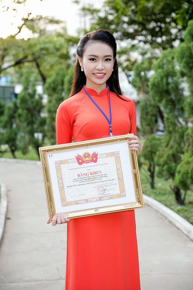Cô gái vàng của Hoa hậu Việt Nam tiếp tục giành thêm giải thưởng khoa học - Ảnh 1.