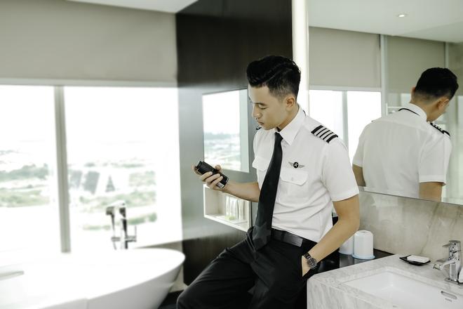 Cơ trưởng lịch lãm Quang Đạt và màn cầu hôn rung động trái tim phái đẹp - Ảnh 4.