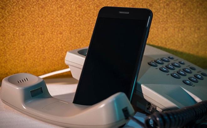 Nếu nghe thấy câu nói kiểu này từ số máy lạ, hãy buông điện thoại ngay lập tức!