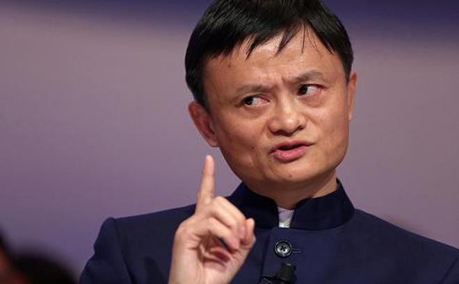 Tỷ phú giày vải trở thành người giàu nhất Trung Quốc