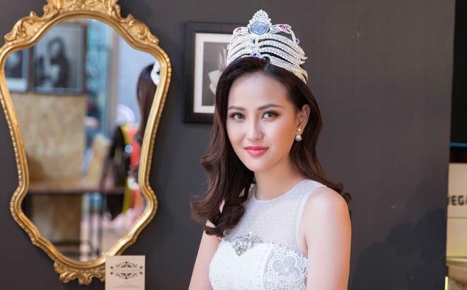 Hoa hậu Hoàn cầu Khánh Ngân rạng rỡ trên đài truyền hình quốc tế