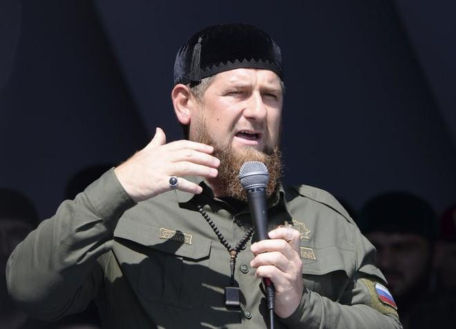 Nga yêu cầu Facebook và Instagram giải thích lý do khóa tài khoản của lãnh đạo Chechnya - Ảnh 1.