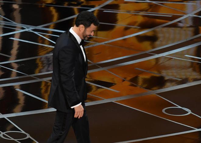 [Video] Khoảnh khắc Oscar bỗng thành trò cười như Hoa hậu Hoàn vũ! - Ảnh 3.