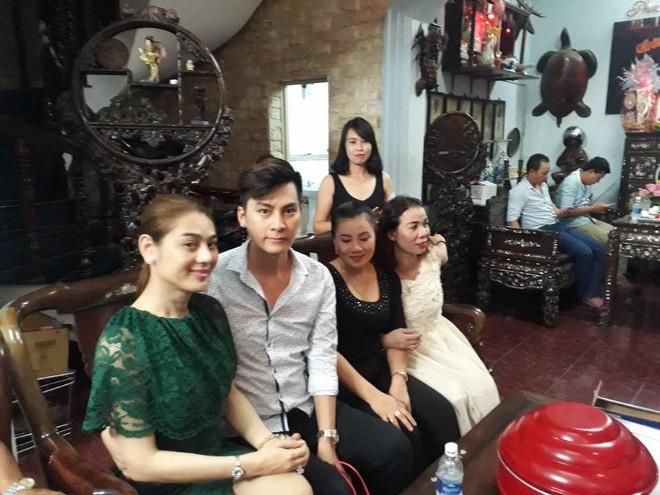 Lâm Khánh Chi và bạn trai rơi nước mắt vỡ òa hạnh phúc trong ngày dạm ngõ - Ảnh 3.