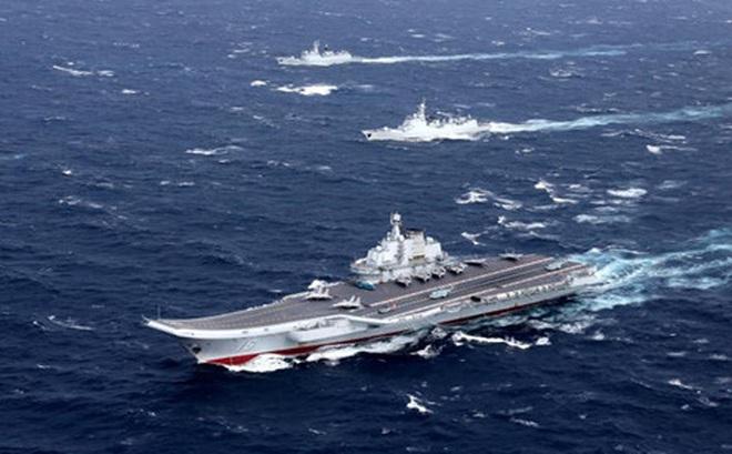 Tàu sân bay Trung Quốc vào ADIZ, tàu Đài Loan bám sát