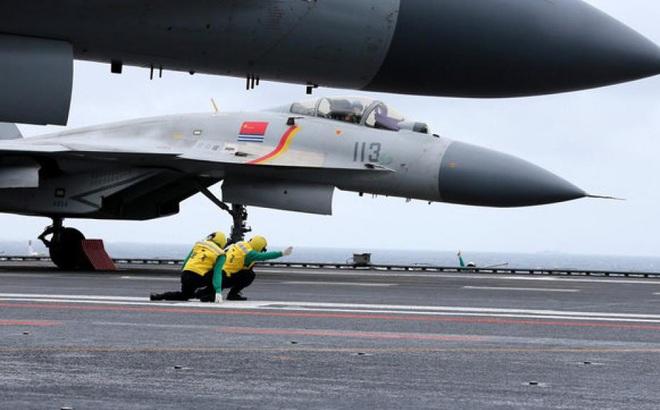 Trung Quốc xác nhận tàu sân bay thử vũ khí khi tập trận ở Biển Đông