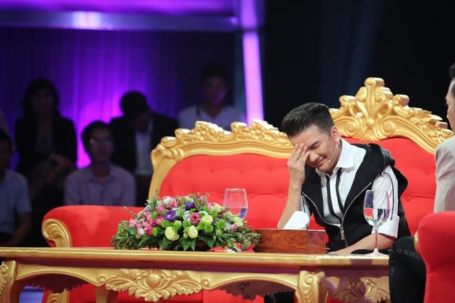 [Video] Đàm Vĩnh Hưng nghẹn giọng thừa nhận vẫn đang trả nợ cho mẹ - ảnh 1