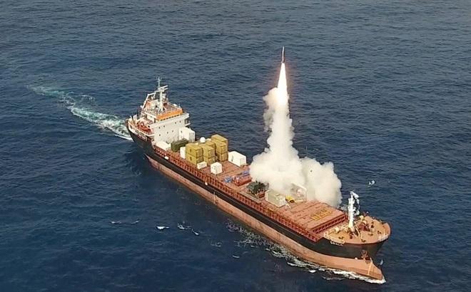 """Tên lửa đạn đạo LORA Israel bất ngờ """"phóng"""" sang Nam Mỹ: Đích ngắm Chile"""