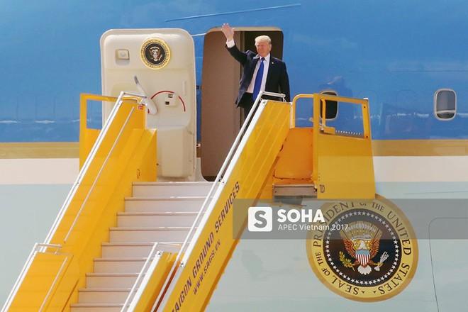 [CẬP NHẬT] Cờ Việt Nam nổi bật trên máy bay chở lãnh đạo Hàn Quốc, gương mặt mới của APEC - Ảnh 2.