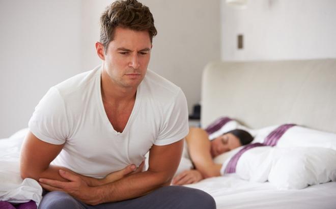Vừa ngủ dậy bị đau bụng nhưng chưa thể đi khám được, bạn hãy áp dụng các cách sau
