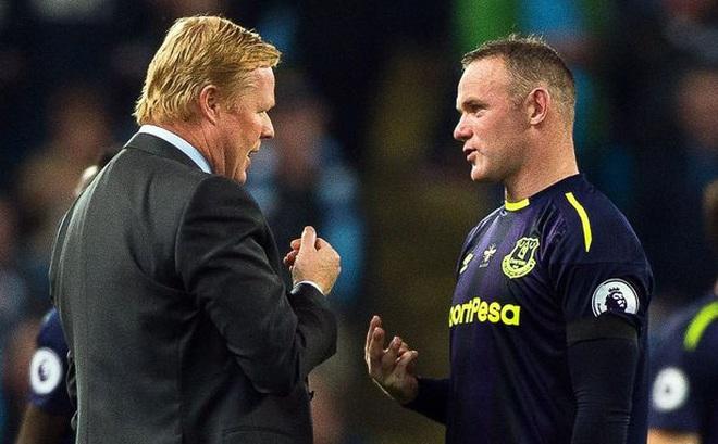 Ghi bàn liên tục, Rooney không thể cứu thầy khỏi