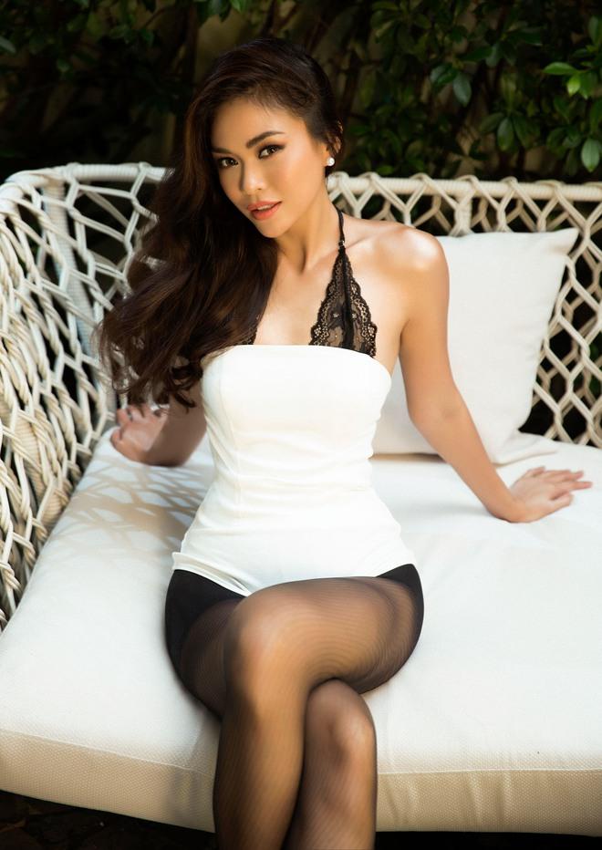 Mâu Thủy tung ảnh nóng trước khi thi Hoa hậu Hoàn vũ Việt Nam - Ảnh 3.