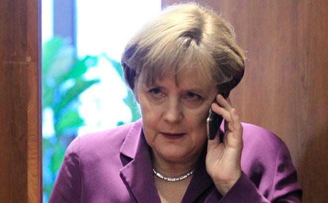 """Bà Merkel """"giải thích"""" cho ông Trump nghĩa vụ của Mỹ theo Công ước về người tị nạn"""