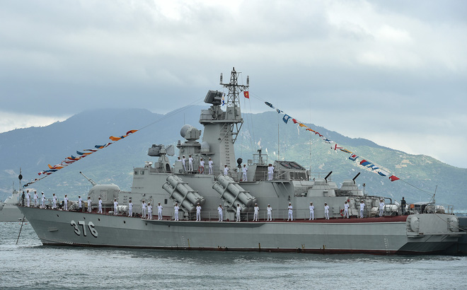 Molniya 1241.8 Việt Nam có thể đã được trang bị tên lửa Uran-E nâng cấp?
