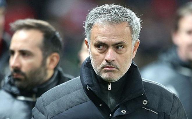 Mourinho xác nhận sao MU sắp bị bán cho Everton