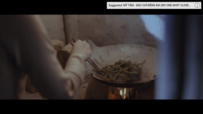 Chảo rau muống kinh điển và lỗi cười ra nước mắt trong MV mới của Mỹ Tâm - Ảnh 15.