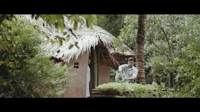 Chảo rau muống kinh điển và lỗi cười ra nước mắt trong MV mới của Mỹ Tâm - Ảnh 5.