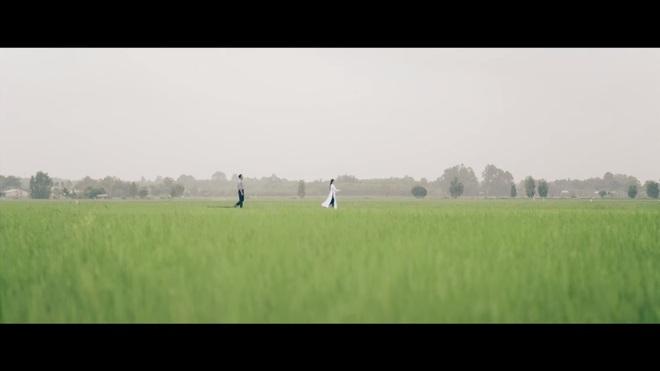 Chảo rau muống kinh điển và lỗi cười ra nước mắt trong MV mới của Mỹ Tâm - Ảnh 3.