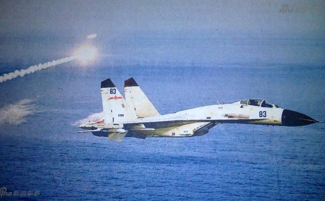 Có gì bất thường trong bức ảnh Trung Quốc dùng để tung hô năng lực phi công hải quân?