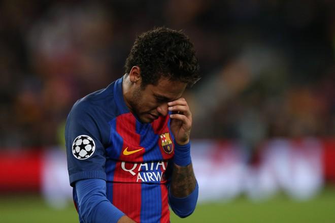 Neymar khóc không dừng được, đối thủ cũng phải ra an ủi - Ảnh 3.