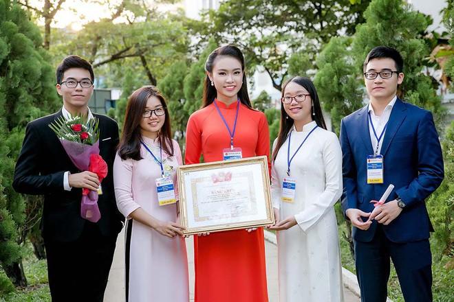 Cô gái vàng của Hoa hậu Việt Nam tiếp tục giành thêm giải thưởng khoa học - Ảnh 2.