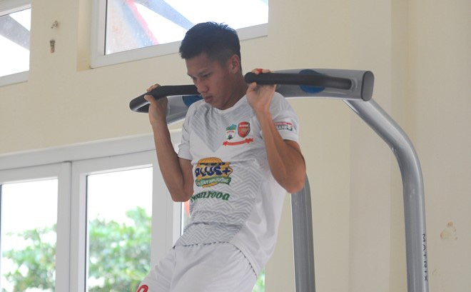 Cầu thủ trẻ HAGL nhồi thể lực trước ngày sang Hàn Quốc