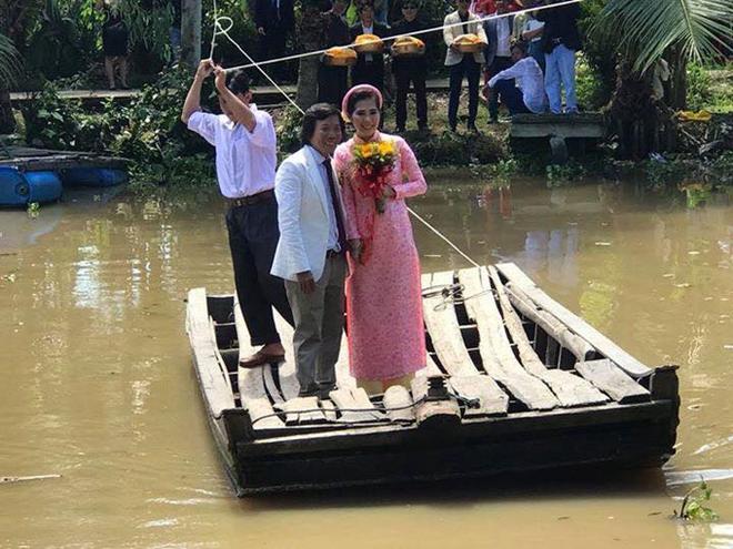 Điều ít biết về vợ xinh đẹp kém đạo diễn Nguyễn Tranh tới 25 tuổi - Ảnh 1.