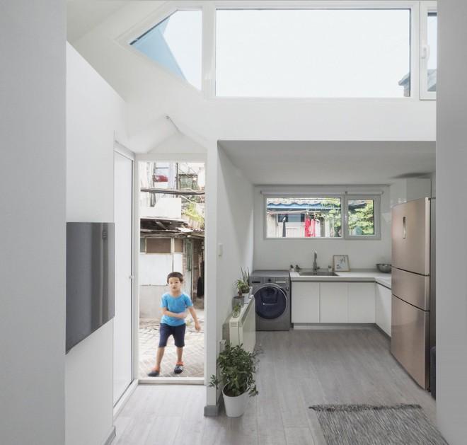 Ngôi nhà giá 200 triệu đồng xây trong 24 giờ với chỉ một chiếc cờ lê - Ảnh 6.
