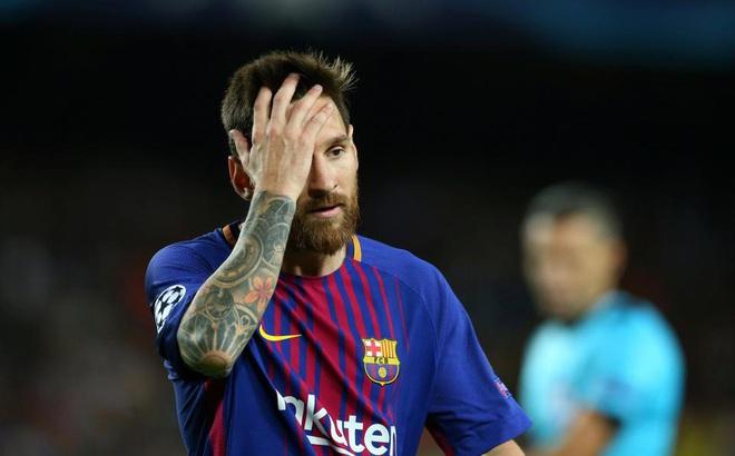 """Barcelona hỗn loạn, Messi tính bước """"tháo chạy"""" đến Premier League"""