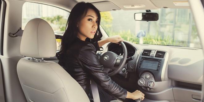 Nissan đại hạ giá chiếc sedan hộp số tự động, trở thành xế hộp rẻ nhất phân khúc - Ảnh 3.