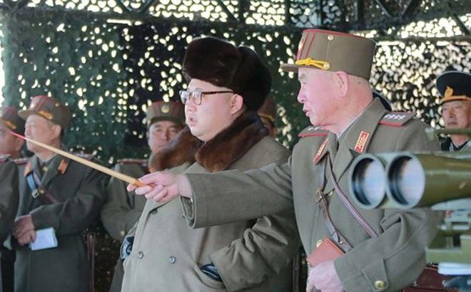 Triều Tiên tuyên bố thử tên lửa bất cứ lúc nào