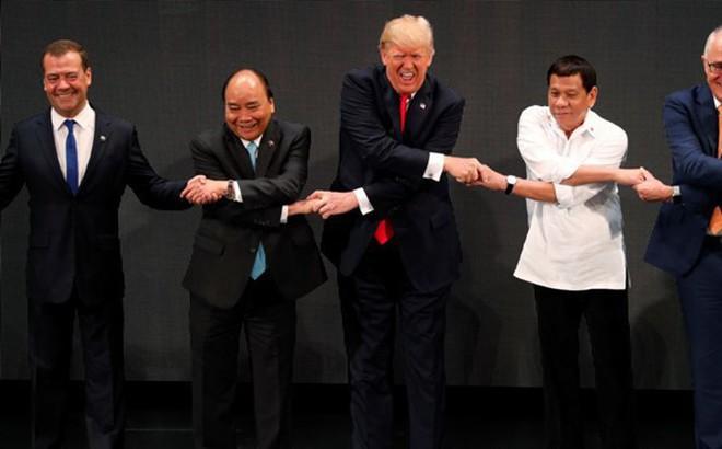 Đại sứ Hoàng Anh Tuấn: ASEAN-31 lập kỷ lục mới, Thủ tướng Nguyễn Xuân Phúc họp tới quá nửa đêm