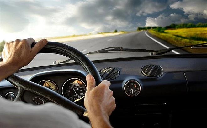 Lái xe 10 năm vẫn có người ngồi sai tư thế