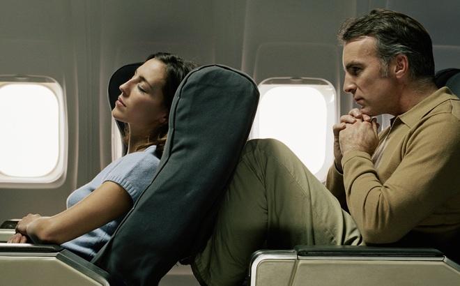 10 phép lịch sự tối thiểu trên máy bay mà ai cũng nên biết