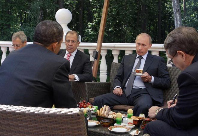 Người Mỹ lo ngay ngáy khi nhìn hành trang ông Trump chuẩn bị để đến gặp ông Putin - Ảnh 1.
