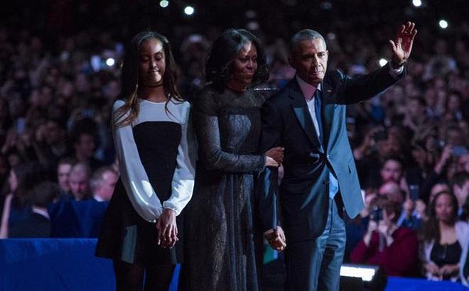 Tại sao con gái út vắng mặt khi ông Obama phát biểu chia tay?
