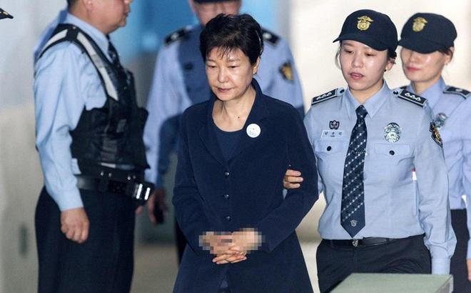 Dân mạng Hàn Quốc phẫn nộ về thực đơn trong tù của bà Park Geun-hye