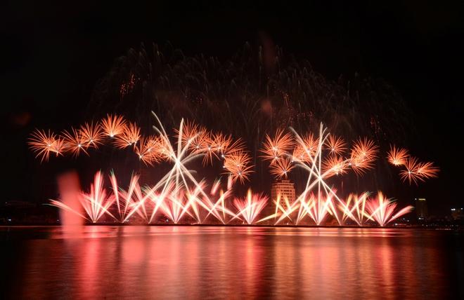 Lễ hội pháo hoa lớn nhất Đông Nam Á sẽ khai mạc đêm 30/4 - Ảnh 2.