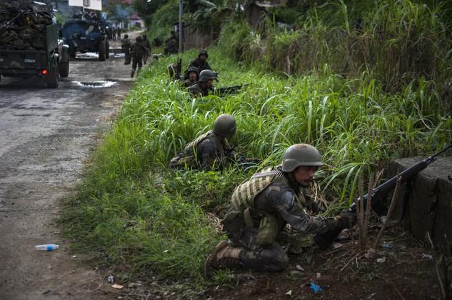 Philippines đã triển khai những vũ khí nào chống phiến quân thân IS? 11
