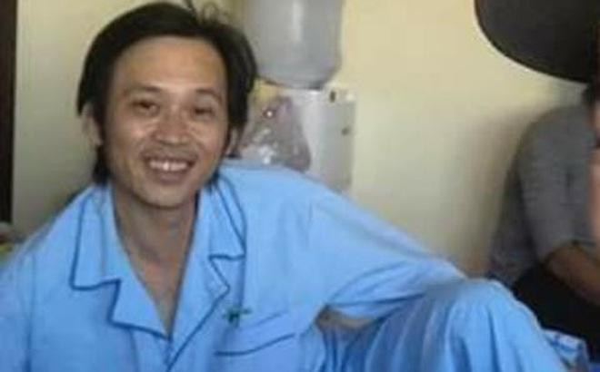 Nghệ sĩ Hoài Linh đã tỉnh táo hơn sau khi nhập viện