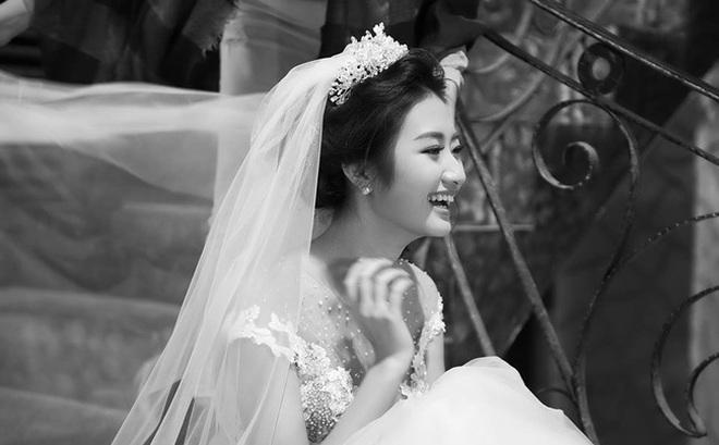 """Không chỉ Thu Ngân, các Hoa hậu này cũng """"vội lấy chồng"""" ở tuổi 20"""