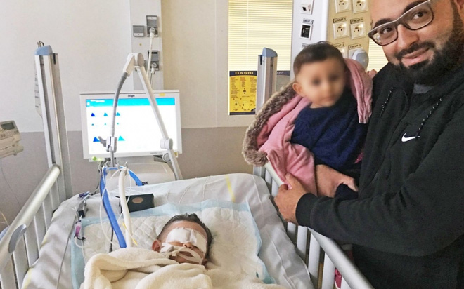 Chuẩn bị tắt ống thở, bác sĩ bất ngờ trước điều kì diệu của cô bé 1 tuổi mắc bệnh lạ - Ảnh 1.