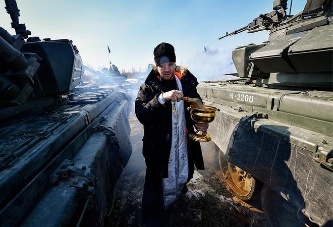Các kíp lái xe tăng T-72B3 Nga sơ tuyển Tank Biathlon 2017, Việt Nam có tham dự? - Ảnh 2.