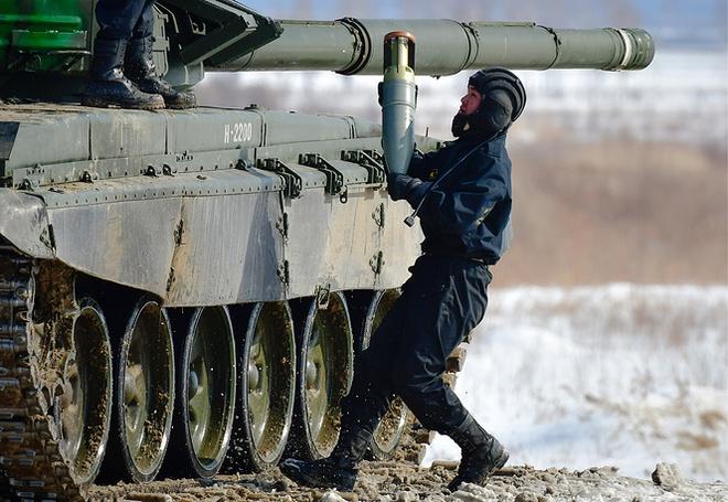 Các kíp lái xe tăng T-72B3 Nga sơ tuyển Tank Biathlon 2017, Việt Nam có tham dự? - Ảnh 6.
