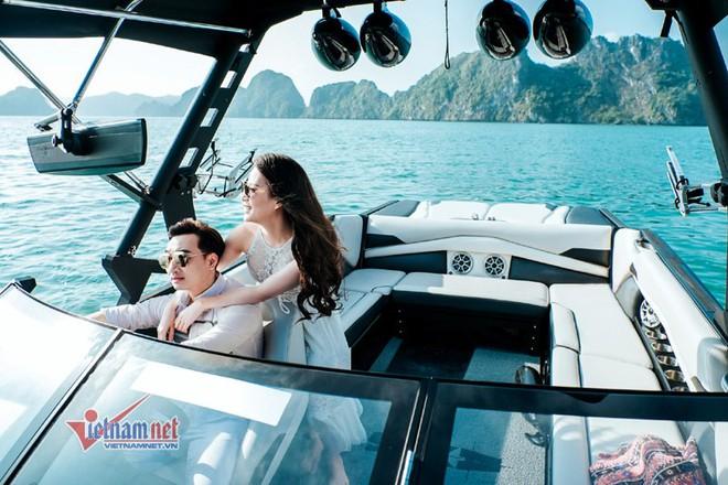 Ảnh cưới lãng mạn trên du thuyền của MC Thành Trung và hotgirl 9x - Ảnh 1.