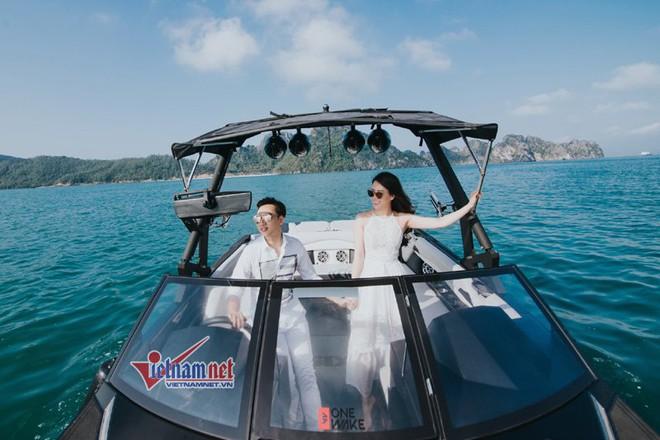Ảnh cưới lãng mạn trên du thuyền của MC Thành Trung và hotgirl 9x - Ảnh 2.