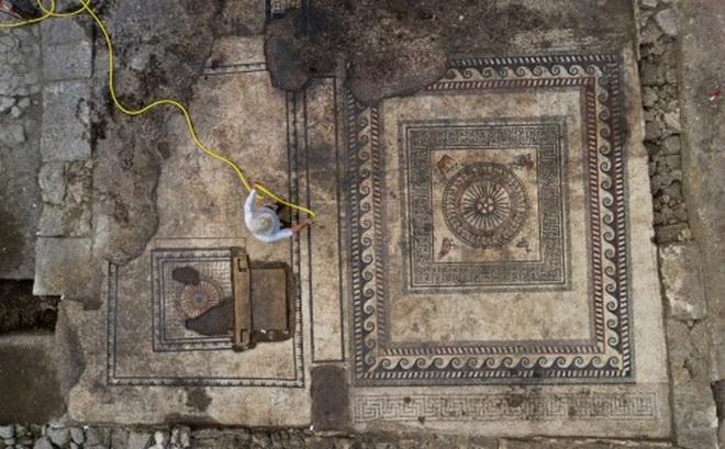 Tìm thấy nhiều tấm khảm bí ẩn, vết tích của một thành phố La Mã cổ đại bị chôn vùi