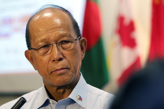 Duterte lệnh đưa quân ra biển Đông, Philippines-Trung Quốc nảy sinh rạn nứt mới - Ảnh 1.
