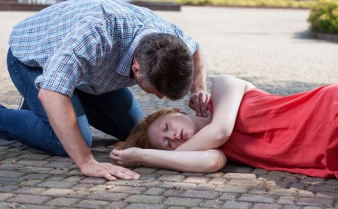 Có bệnh nhân mới 19 tuổi đã đột quỵ: BS khuyến cáo quy tắc 4 chữ để tránh bệnh chết người
