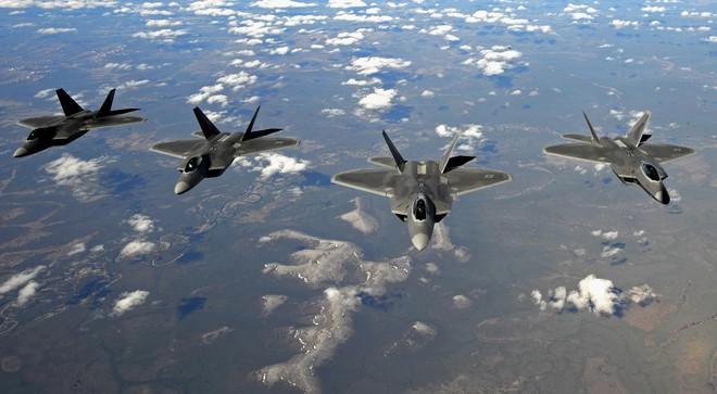 Chiến đấu cơ Mỹ có thể qua mặt hệ thống phòng không Nga? Câu trả lời sẽ có ở Syria - Ảnh 2.